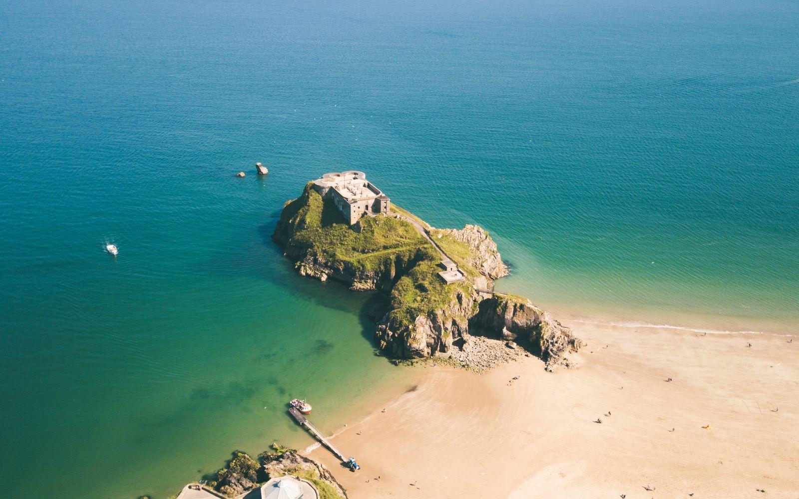 castle beach Pembrokeshire
