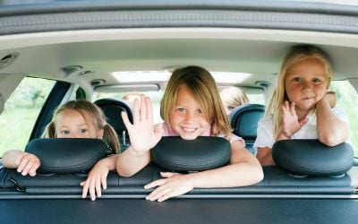 kids in the car - vale holiday parks